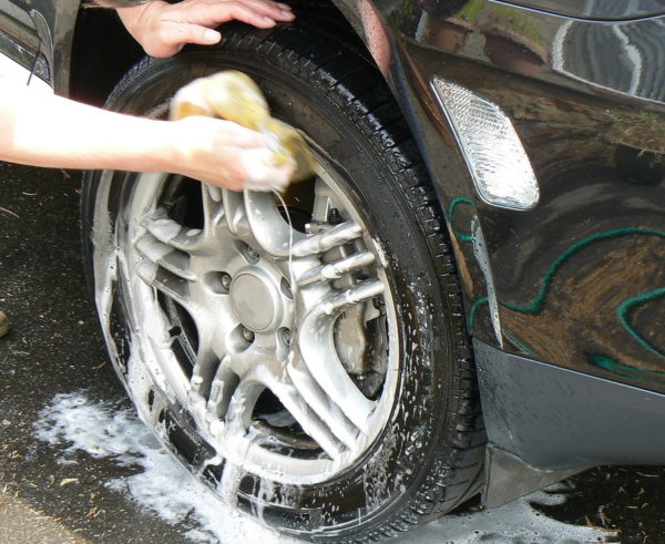 Car cleaning hacks- homemade tire cleaner