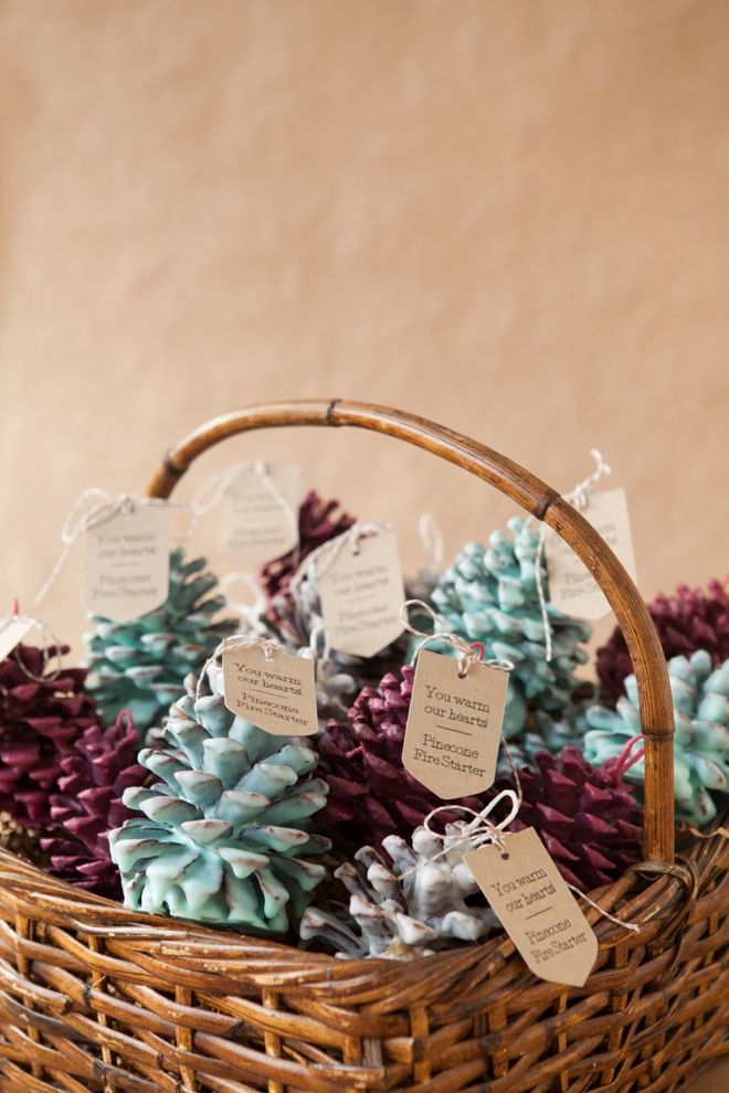 Pinecone fire starter favor