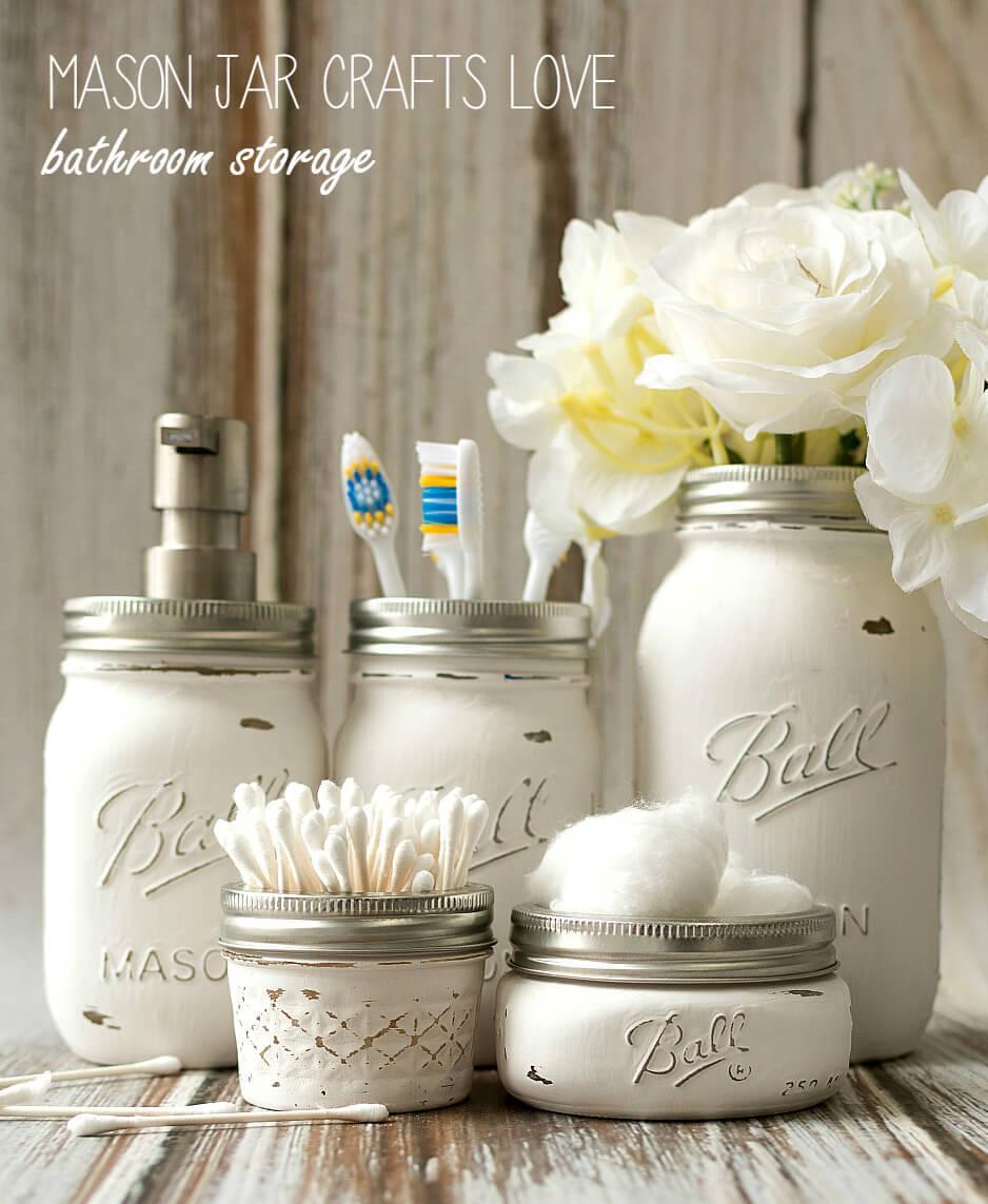 Bathroom organization ideas - mason jar to hold toothbrush and toothpastes