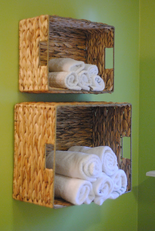 towels bathroom organisation