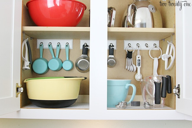 15 Mind-Blowing Ways to Organize Kitchen Cabinets
