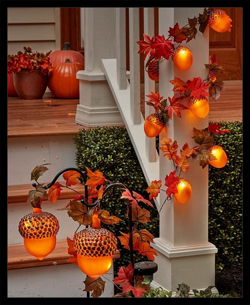 30 Beautiful and Easy Fall Staircase Decor Ideas