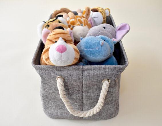 Storage basket for gathering things